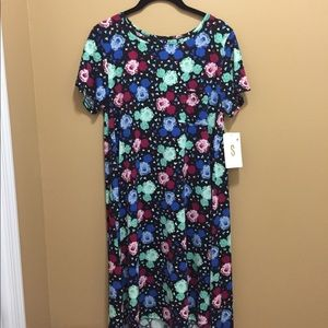 LuLaRoe Carly S. NWT accepting all offers.
